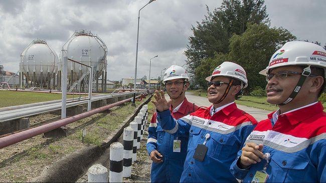 Dengan beroperasinya 13 proyek migas baru di tahun ini, produksi migas diperkirakan akan bertambah 240 ribu barel setara minyak per hari (BOEPD).