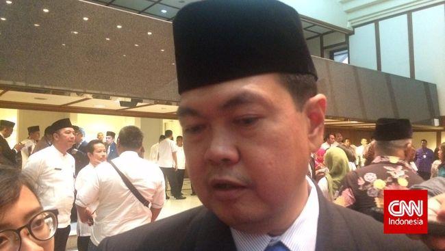 Disnakertrans DKI Jakarta menyatakan perusahaan dilarang melakukan PHK pegawai yang positif Covid-19. Hak pegawai juga harus dibayarkan.