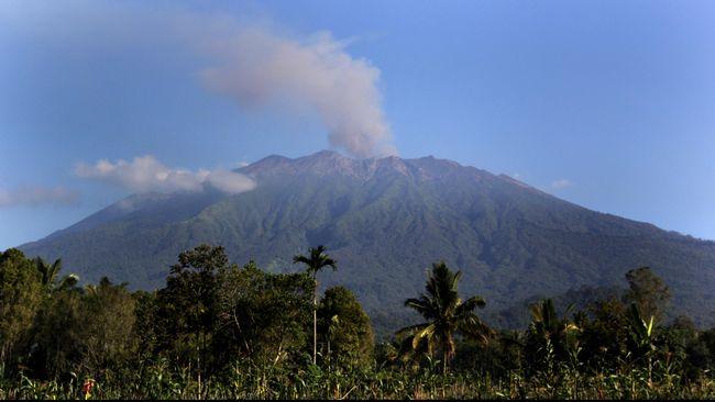 Gunung Raung Dibuka Esok