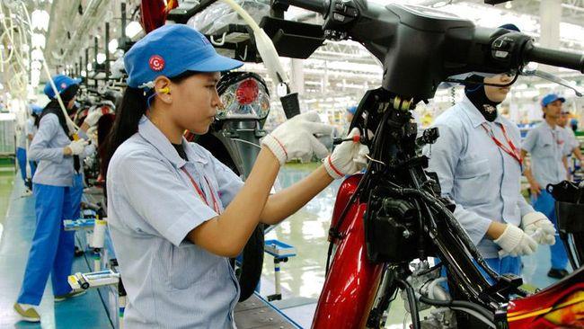 Pihak Yamaha Indonesia, diketahui dari surat kepada perusahaan pemasok, bakal menghentikan produksi motor selama dua pekan mulai 3 April.