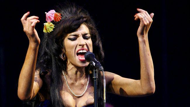 Sebuah video yang belum pernah dirilis, menampilkan Amy Winehouse bernyanyi di malam kemenangan Grammy Awards pada tahun 2008, akhirnya dipublikasikan.