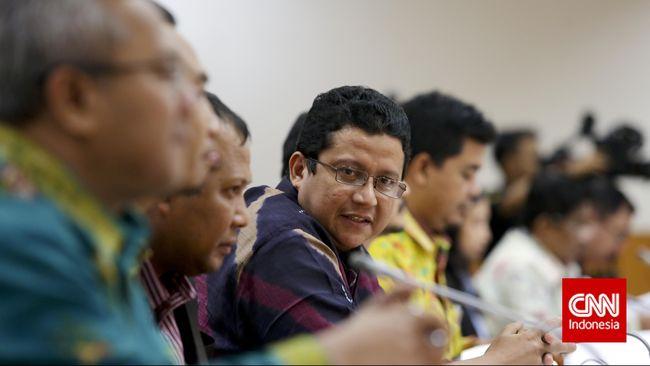 Terkait seleksi anggota KPU-Bawaslu, Ketua DKPP Muhammad meminta tak kaku dengan parpol dan bisa berkomunikasi langsung di kantor.