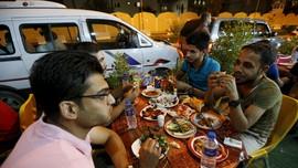 Baghdad Cabut Jam Malam, Banyak Restoran Buka Saat Sahur
