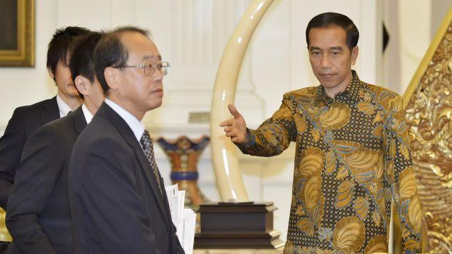 Meski Jepang telah komitmen memberikan bantuan, namun Presiden Joko Widodo masih mempertimbangkan proposal investor lainnya yakni China.