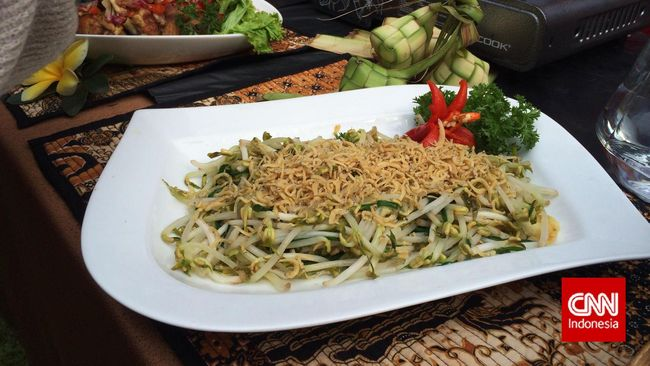 Berikut ada resep alternatif untuk hidangan saat bulan puasa baru karya Sisca Soewitomo, yaitu tumis tauge teri asin.