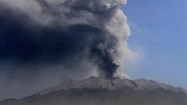 Hujan Abu Gunung Raung di Banyuwangi, Warga Diminta Tenang
