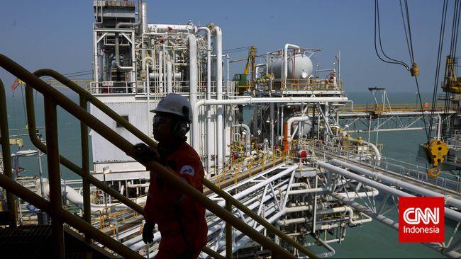 DPR mendesak Menteri ESDM Arifin Tasrif turun tangan dalam pembangunan proyek pipa transmisi gas bumi pada ruas Cirebon-Semarang.
