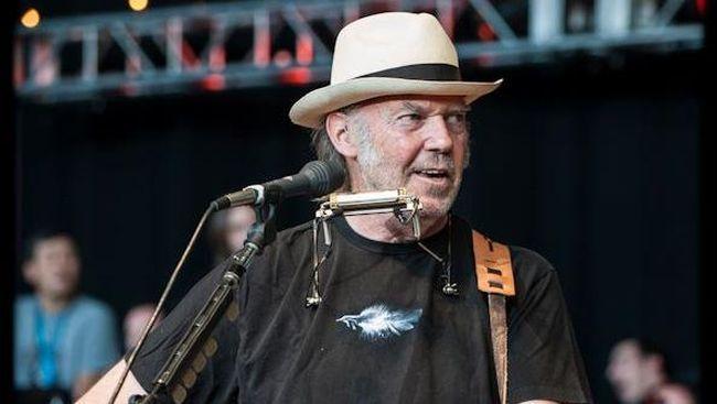 Musisi senior Neil Young menuntut Presiden AS, Donald Trump, karena menggunakan lagu karyanya untuk kampanye tanpa izin.
