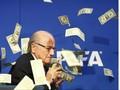 Meski Dihukum, Blatter Masih Menikmati Uang dari FIFA