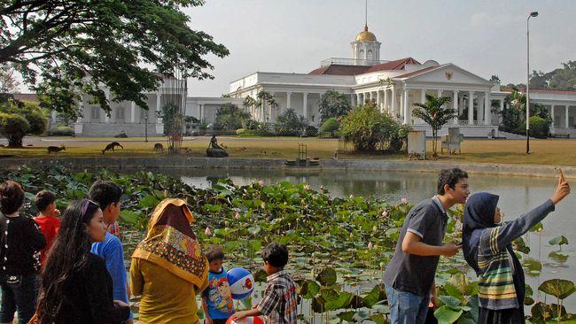 Selain di Bogor dan Cibodas, ada dua kebun raya lain yang dimiliki Indonesia, yakni Kebun Raya Purwodadi dan Kebun Raya 'Eka Karya' Bali.