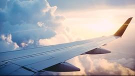 Terbang Lagi ke Israel, Maskapai Arab Sajikan Menu Yahudi