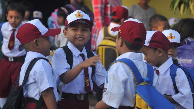 PPDB SD akan segera dibuka, orang tua wali murid diharapkan untuk mengetahui persyaratan dan ketentuan pendaftaran PPDB SD di DKI Jakarta.