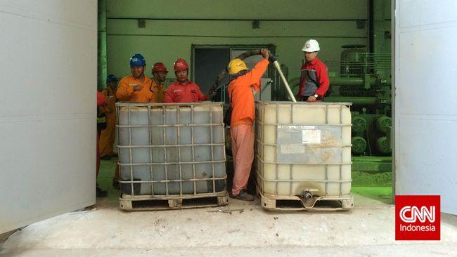 Banyak investor mengeluhkan syarat dapat berbahasa Indonesia bagi pekerja asing di RI. Ini dianggap buruk bagi iklim bisnis di tengah buruknya situasi ekonomi.