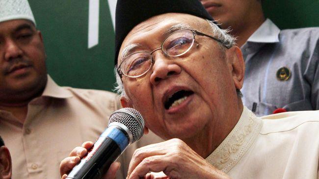 Gus Sholah mengatakan dirinya menyambut paslon Prabowo-Sandiaga sebagai bagian dari sikap keterbukaan, termasuk kepada paslon Jokowi-Ma'ruf andai berkunjung.