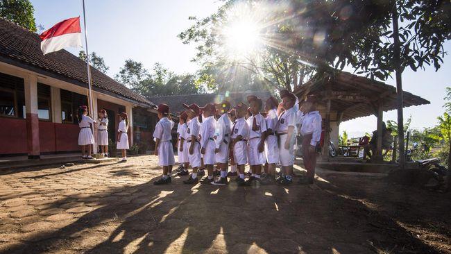 BNPT bakal mengaktifkan kembali upacara tanggal 17 tiap bulannya di sekolah dan kementerian untuk memperkuat cinta tanah air dan mencegah radikalisme.