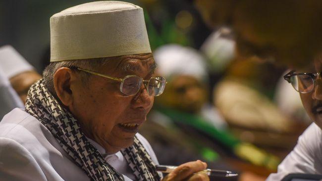 Ketua Umum MUI mengimbau umat Islam menyerahkan sepenuhnya kasus dugaan penistaan agama ke kepolisian ketimbang menggelar aksi unjuk rasa.