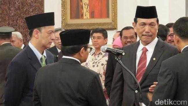 Hari ini Presiden Joko Widodo mengumumkan perombakan menteri di kabinetnya. Sebanyak enam orang dipercaya menjadi menteri baru.