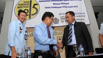 Pejabat Ditjen Pajak Angin Prayitno Aji tengah disidik KPK terkait dengan sejumlah kasus suap pajak di beberapa perusahaan besar.