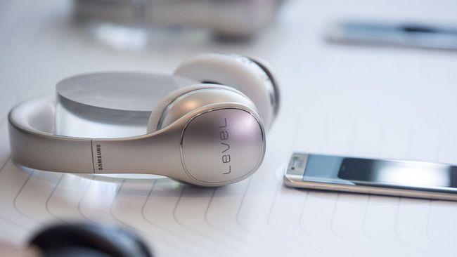 Lembaga riset IDC mencatat ponsel dengan bentang layar 5,5 hingga 7 inci kian diminati oleh pengguna di Asia Tenggara.
