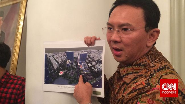 Pembelian lahan RS Sumber Waras dinilai bermasalah. Seorang pengamat politik melaporkan Ahok ke KPK atas dugaan adanya penyimpangan.