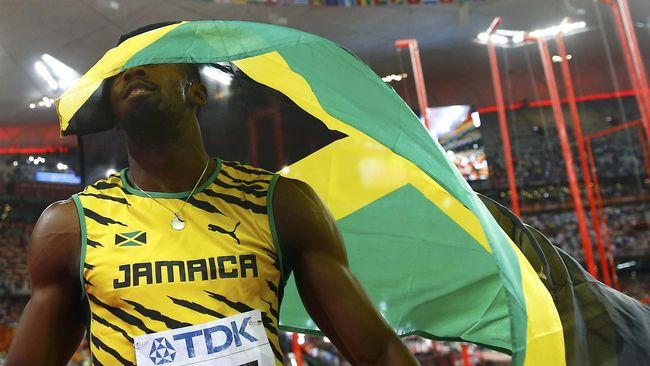 Tepat hari ini Usain Bolt berhasil mematahkan rekor Carl Lewis meraih emas sprint nomor 100 meter dan 200 meter di Olimpiade dua edisi beruntun.