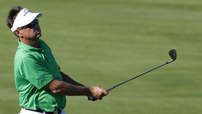 Davis Love menjadi pegolf tertua yang berhasil memenangkan ajang kompetisi dalam PGA Tour.