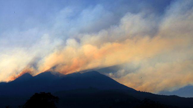 Menurut BPBD laporan dari pendaki jalur Cemoro Kandang dan Candi Cetho Karanganyar bahwa suhu di puncak gunung Lawu bisa mencapai 3 derajat Celsius.