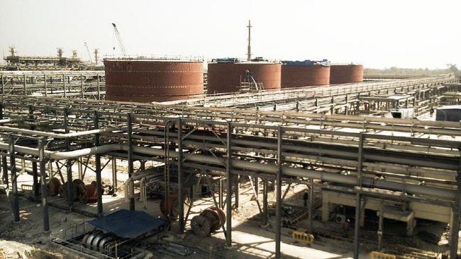 Exxon dan Chevron mencatat kerugian besar karena pelemahan permintaan minyak di tengah pandemi virus corona.