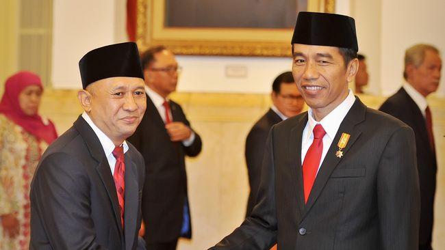 Presiden Jokowi menegaskan pembangunan listrik 35 ribu MW merupakan suatu kebutuhan yang harus segera dilaksanakan untuk mengantisipasi krisis listrik.