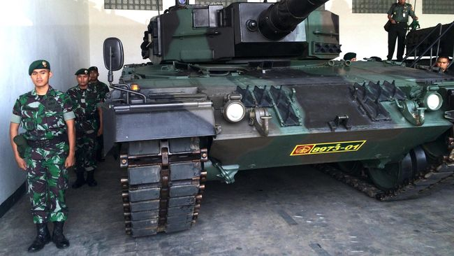 Sebanyak 50 tank leopard baru pesanan TNI AD telah tiba di Indonesia dan ditempatkan di Batalyon Kavaleri Kostrad. Seratus tank lainnya dalam proses pengiriman.