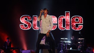 Suede Merilis Video Musik 'No Tomorrow'