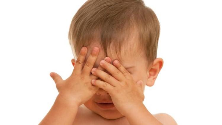 Sebuah video viral beredar berisi tentang anak yang tirukan suara orang sedang mendesah. Wah, kok bisa ya?