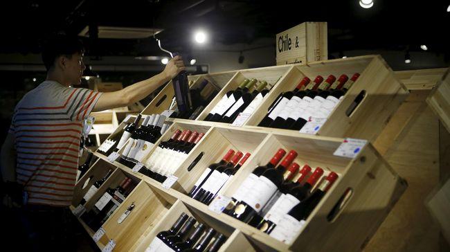 'Irma' Mengamuk di Florida, 20 Ribu Botol Wine Diungsikan