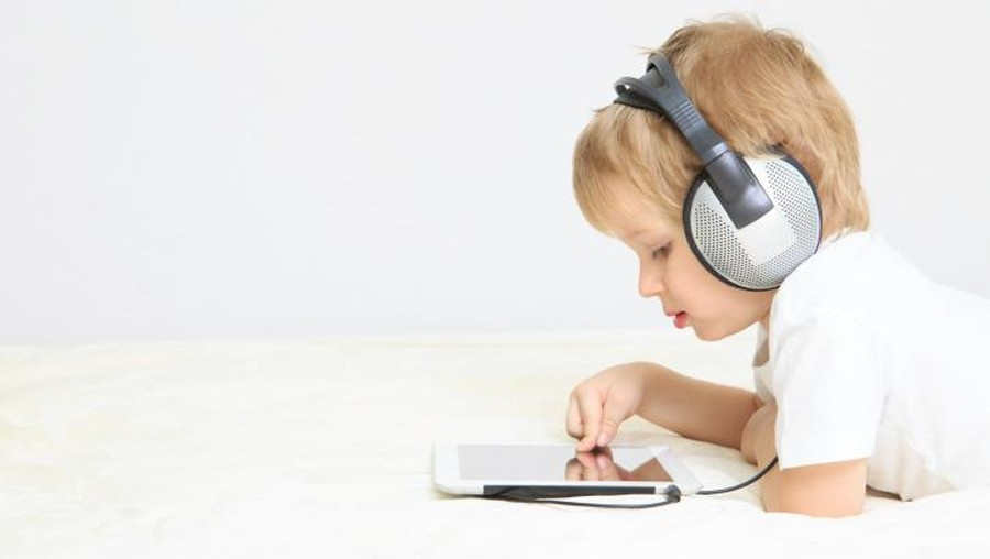 Anak Hobi Main Game Online? Pahami 2 Aturan Penting Yuk, Bun