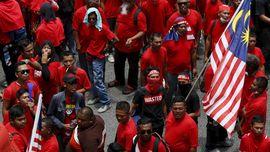 Aksi 'Kaus Merah' Tingkatkan Sentimen Rasial di Malaysia