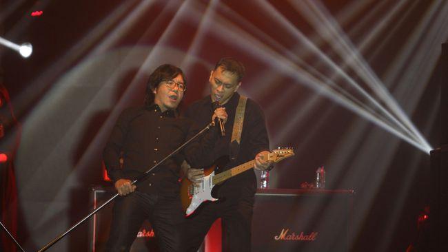 Sejumlah musisi era '90-an, termasuk Dewa 19, Bragi, Wayang dan Stinky, siap kembali melantunkan hit lawas andalan mereka di panggung The 90's Festival.