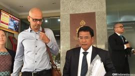 Maybank Buka Peluang Gugat Nasabah soal Tabungan Rp22 M Raib