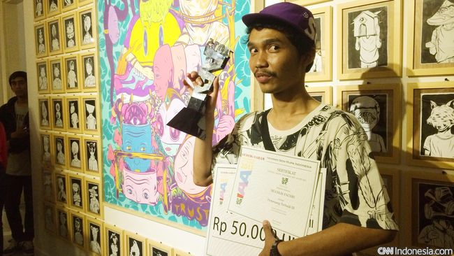 Memaknai karya dalam keberagaman tema yang dibuat seniman juara Indonesia Art Award (IAA), dan dipamerkan di Galeri Nasional.