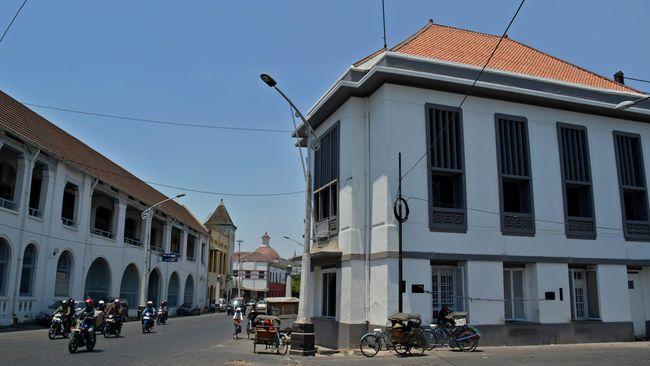 Kementerian Pekerjaan Umum dan Perumahan Rakyat (PUPR) menggelontorkan dana sebesar Rp156 miliar untuk proyek revitalisasi kawasan Kota Lama Semarang.