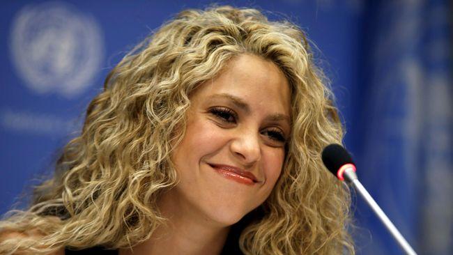 Shakira, penyanyi asal Kolombia, memenuhi panggilan pengadilan Spanyol pada Kamis (6/6). Ia diinterogasi terkait tuduhan penggelapan pajak 14,5 juta euro.