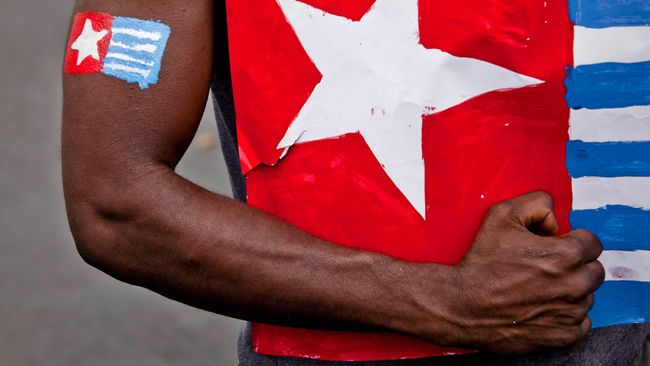 Benny Wenda, pemimpin Gerakan Pembebasan Papua, menulis surat terbuka kepada pemerintah RI berisi bantahan terlibat dalam penyerbuan Polsek Sinak
