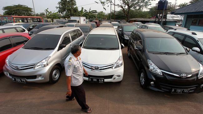 Seluruh mobil dinas PNS di Riau wajib dikandangkan 5-17 Mei 2021 menyusul kebijakan larangan mudik lebaran.