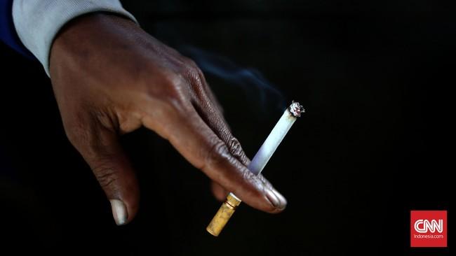 Merokok Sembarangan di Aceh Kelak Bisa Dipenjara 3 Hari