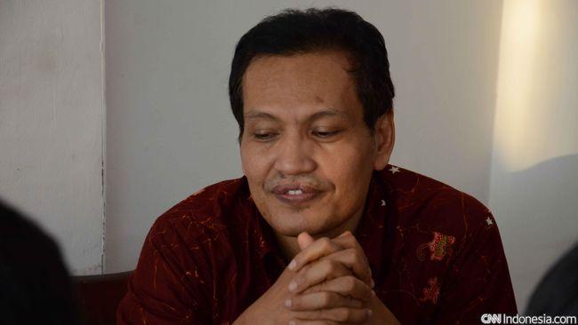 Cendekiawan Islam Ulil Abshar menyebut Jokowi hanya mendengar NU-Muhammadiyah untuk isu pluralisme yang dinilai menguntungkan pemerintah.