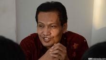 Ulil Abshar: Sebaiknya Jangan Cium Tangan Kiai di Masa Covid