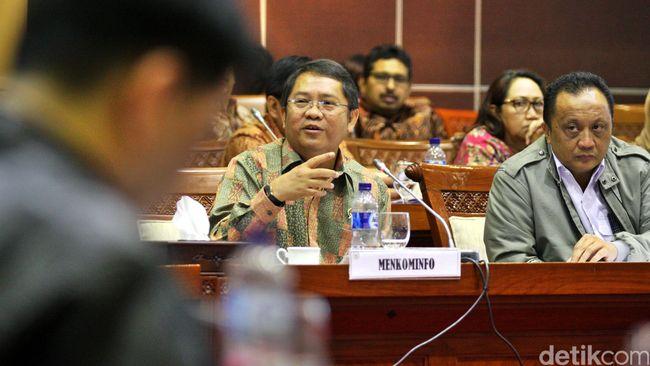 Salah satu anggota Komisi I DPR mengkritik Menkominfo Rudiantara yang terlalu fokus membangun infrastruktur telekomunikasi.