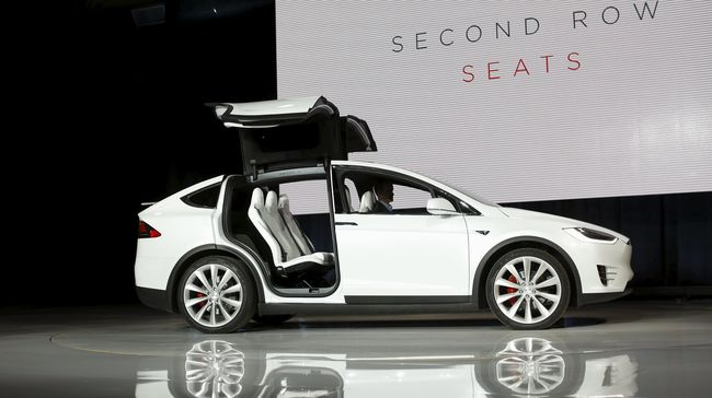 Canggih Dan Kerennya Mobil Listrik Tesla X