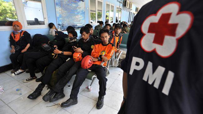PMI membantah petugas medis dari PMI Jakarta Timur mengalami kekerasan oleh oknum Brimob saat memberi pertolongan dalam demonstrasi menolak RKUHP kemarin.
