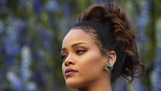 Rihanna 'Larang' Penonton Foto Koleksi 'Savage X Fenty'