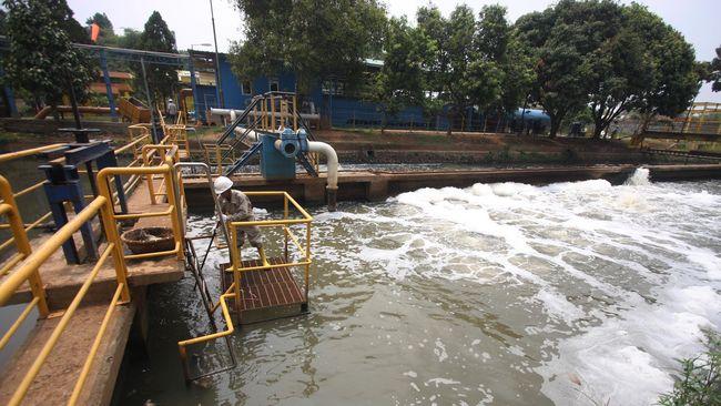Majelis hakim eksaminasi publik menyatakan swastanisasi air di DKI Jakarta melanggar ketentuan perundang-undangan dan harus dinyatakan batal demi hukum.
